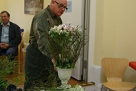 Master florist Geoffrey Hughes giving advices to students (from Flower design of Britain Autumn class in London 2010)